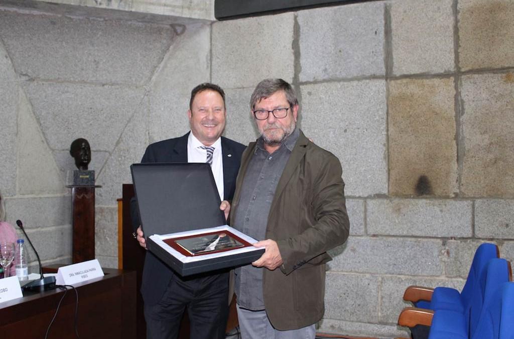 """El Dr. Roberto Lertxundi Barañano gana el premio a la """"Personalidad destacada en anticoncepción"""""""
